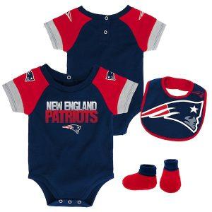 New England Patriots Newborn Navy/Red 50 Yard Dash Creeper Bib & Booties Set