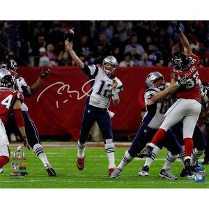 Tom Brady Signed Super Bowl 51 16×20 Action Photo